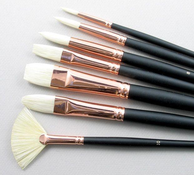Trinity Brush Serov Set of 7 Hog Bristle Art Brushes