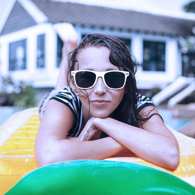 6' Pineapple Pool Float