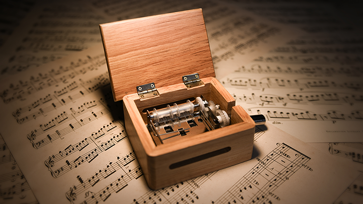 Music Box Premium (Gimmicks And Online Instruction) By Gee Magic - Trick