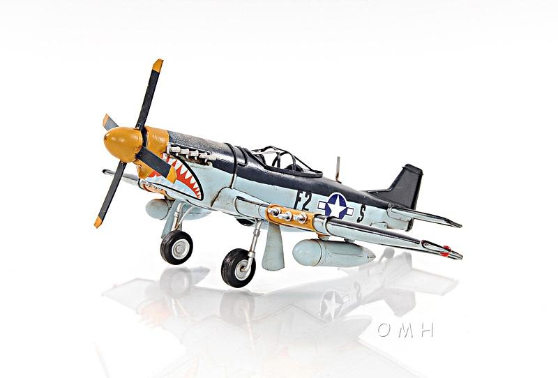 1943 Grey Mustang P51 1:40