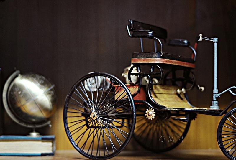 1886 Yellow & Black Benz Car