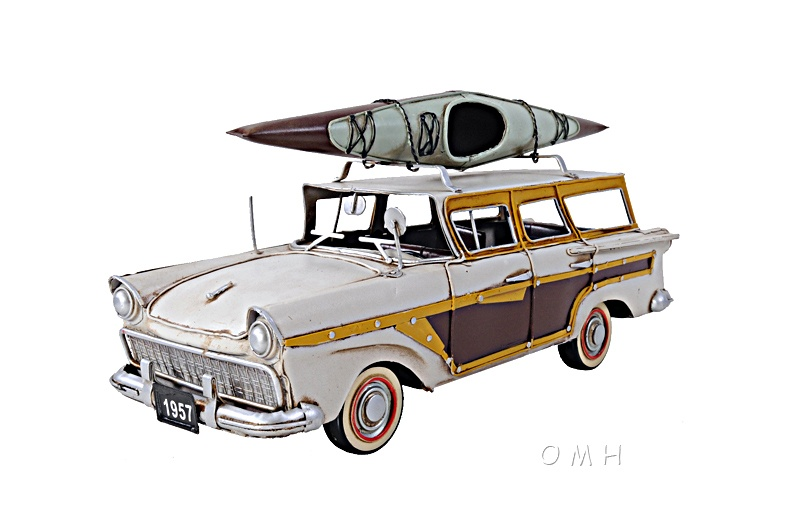 Fords Woody-Look Country Squire W/ Kayak
