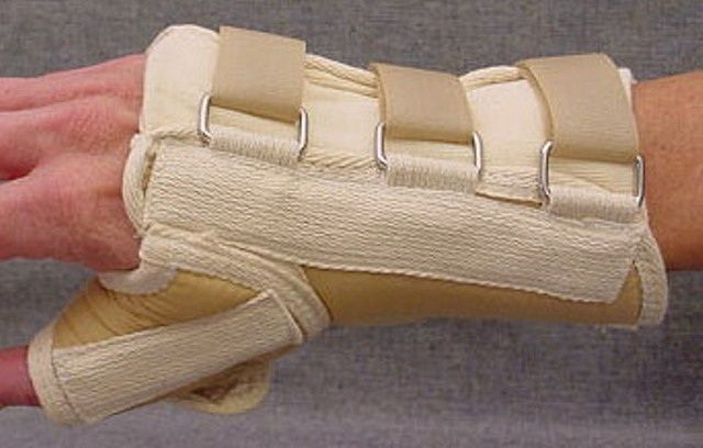 """Tetra Medical Supply Loop Lock Wrist Splint with Thumb Spica: 8"""", Right, Different Sizes"""